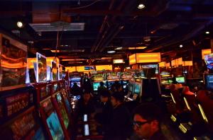 un salón de juegos a Ikebukuro