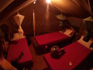 el interior de la tienda de campaña del Mashariki Camp