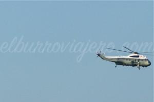 El Air Force Two volando cerca de la Casa Blanca